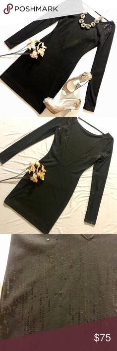 🔻GUESS?🔻 Little Backless Black Sequenced Dress 🚨NWT🚨👗Deliver glamorous shine in this sequin detailed backless dress. Deep V in back with long sleeves. Size XS Guess Dresses Backless