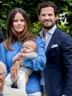 Prince Carl Philip and Princess Sofia Return to the Place Where They First Met – with Baby Alexander!…