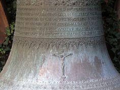 Alsace, Bas-Rhin, Pfaffenhoffen, Eglise Saints-Pierre-et-Paul, Détail des inscriptions d'une ancienne cloche