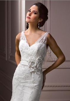 Lace and Tulle V-Neck Mermaid Elegant Wedding Dress - Bride - Fashionweddingdress.co.uk
