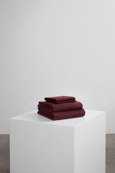 Core Bedding Set includes key essentials for a five-star bed: duvet cover + fitted sheet + two pillowcases. Our luxurious bedding is woven in Portugal with 100% premium long staple cotton and has a 400 thread count. Melt into buttery soft sheets, crafted to last and guarantee a restful night. Beige Bedding Sets, Dark Grey Bedding, Burgundy Bedding, Striped Bedding, Green Bedding, White Bedding, Grey Stripes, Luxury Bedding, Duvet Covers