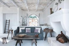 House tour: the revival of a rustic Italian farmhouse in Puglia - Vogue Australia Italian Living Room, First Apartment Essentials, Italian Home Decor, Italian Farmhouse, Interior Styling, Interior Design, Style Rustique, Vogue Living, Tuscan House