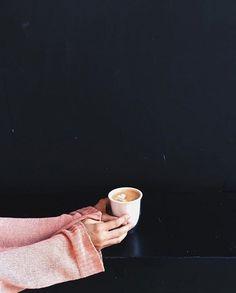 manmakecoffee #turkishcoffeepot #coffeeset #turkishcoffee Espresso Cups Set, Espresso Coffee, Coffee Coffee, Arabic Tea, Arabic Coffee, Making Coffee, How To Make Coffee, Handmade Ottomans, Turkish Coffee Cups