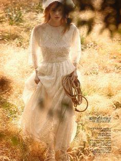 ... things lovely: Julia Hafstrom por Camilla Akrans para a Vogue China, Maio 2014.