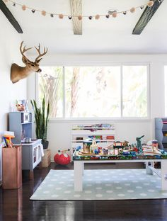 Suzanne's Sophisticated Childrens Playroom Makeover Neutral Kids Blue Grey E… Suzannes Sophisticated Childrens Playroom Makeover Neutral Kids Blau Grau Emily Sunroom Playroom, Playroom Wall Decor, Playroom Furniture, Playroom Design, Playroom Ideas, Playroom Paint, Modern Playroom, Playroom Seating, Playroom Flooring