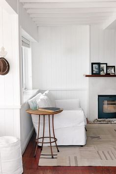 Laid-back Beach Bungalow | House and Leisure. A wood-clad bungalow on Cape Town's Bakoven beach oozes seaside style.