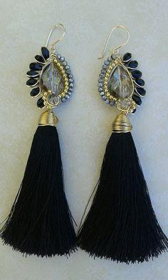 Tassel Earing, Tassel Jewelry, Ear Jewelry, Jewelry Crafts, Beaded Jewelry, Jewelery, Stone Jewelry, Jewelry Making, Girls Earrings