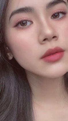 Peach Makeup Look, Asian Makeup Looks, Korean Makeup Look, Asian Eye Makeup, Makeup Tutorial Eyeliner, Makeup Looks Tutorial, Creative Makeup, Simple Makeup, Korean Natural Makeup