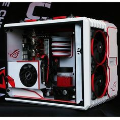 Cool pc found on @asus_roguk