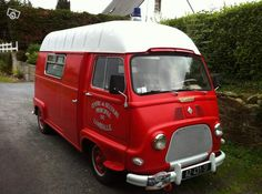 """Estafette pompier 1968"" for my food-truck?! Ambulance, French Classic, Classic Cars, Truck Engine, Cab Over, Cool Vans, Vintage Vans, Food Trucks, Camper Van"