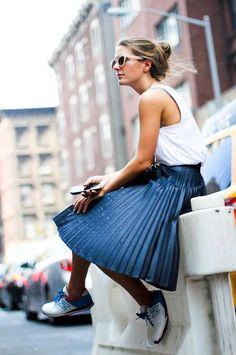 Quelles chaussures porter avec une jupe plissée ?