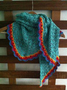 Bijbreien: Nieuw leven inblazen! Crochet Southbay shawlette Omslagdoek haken