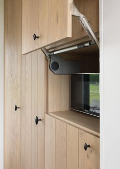 Just love wood Kitchen Dinning Room, Farmhouse Kitchen Decor, Kitchen Paint, Ikea Kitchen, Kitchen Redo, Kitchen Interior, Kitchen Remodel, Kitchen Design, Kitchen Gallery