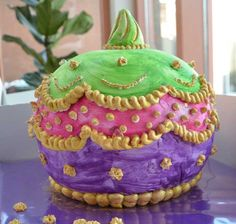 Bollywood round ball cake