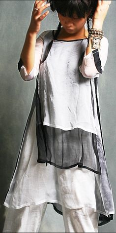DaWanda: This silk dress top is inspired from Middle East tunic and traditional Chinese dress.