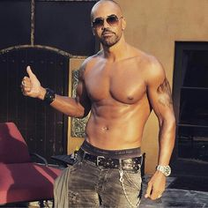Oh my oh my so so hot! Bad Picture, Bald Men, Hot Hunks, Television Program, Young And The Restless, Sexy Men, Eye Candy, Handsome, Celebs