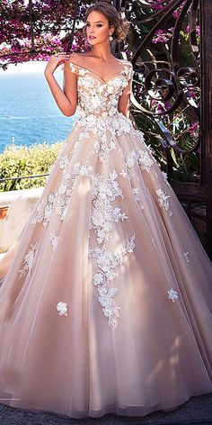Wonderful Perfect Wedding Dress For The Bride Ideas. Ineffable Perfect Wedding Dress For The Bride Ideas. Princess Wedding Dresses, Colored Wedding Dresses, Dream Wedding Dresses, Bridal Dresses, Wedding Dress Pink, Tulle Wedding, Different Color Wedding Dresses, Romantic Princess, Reception Dresses