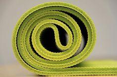 diy all natural yoga mat antibacterial spray lovesurf