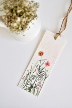 Bookmark with wildflowers hand-painted in watercolor Watercolor Bookmarks, Watercolor Flowers, Watercolor Paintings, Paper Bookmarks, Watercolor Illustration, Creative Bookmarks, Bookmark Craft, Karten Diy, Flower Quotes