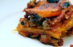 Paleo Butternut Squash Lasagna - Oh man. Watch the salt (if you add any) to the sausage mix. There's plenty in the pizza sauce. Don't be scared of slicing butternut squash. Primal Recipes, Great Recipes, Whole Food Recipes, Cooking Recipes, Favorite Recipes, Holiday Recipes, Dinner Recipes, Paleo Lasagna, Sausage Lasagna