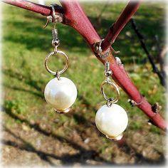 Pearl earrings. Imitative pearls. Ear-wire gilded. от Lybid USD 15.00