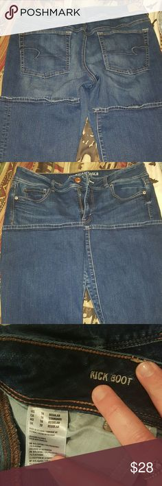 AE Kickboot Jeans EUC. I just like the skinny kick fit better. Any questions just ask American Eagle Outfitters Jeans