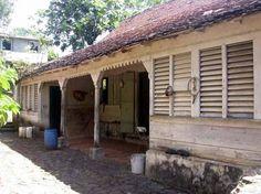 Int rieur de maison coloniale la plantation cl ment le for Plan maison coloniale