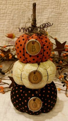 Primitive Halloween Fall Stacking Pumpkins  Sitter Ornie Decoration Arrangment #NaivePrimitive #JeaneenNason
