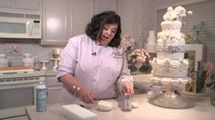 How To Decorate Your Cakes: Pearl Bursts
