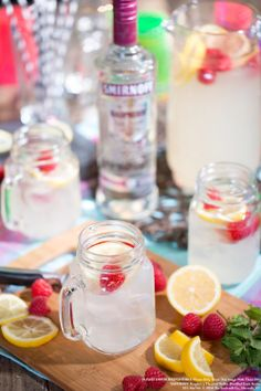 Raspberry Lemonade with 1.5 oz SMIRNOFF® Raspberry Flavored Vodka, 3 oz lemonade and 1 oz club soda. Garnish: lemon wheel, fresh raspberries Fill glass with ice.