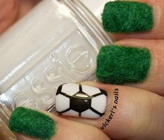 DIY Football Pitch Mani for a FIFA world cup party | 15 FIFA World Cup Party Ideas | diyready.com