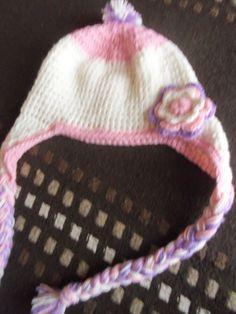 gorrita de nena con tranzas Beanie, Hats, Fashion, Moda, Hat, Fashion Styles, Beanies, Fashion Illustrations, Hipster Hat