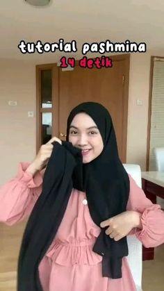 By cutfatimahhh Simple Hijab Tutorial, Hijab Style Tutorial, Tutorial Hijab Wisuda, Stylish Hijab, Casual Hijab Outfit, Street Hijab Fashion, Muslim Fashion, Style Hijab Simple, Pashmina Hijab Tutorial