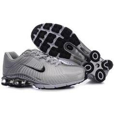104265 027 Nike Shox R4 Grey Black J09080