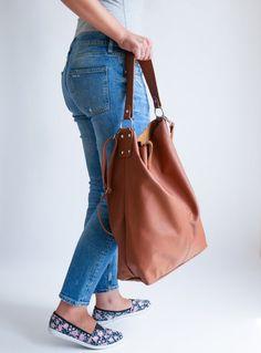 OVERSIZE Brown SHOPPER Bag Large Leather Shopper Light   Etsy Soft Leather Handbags, Leather Purses, Leather Bag, Trendy Fashion, Trendy Style, Yellow Leather, Shopper Bag, Catsuit Costume, Large Bags