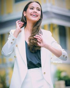 Khmer Wedding, Photography Poses Women, Asian Woman, Duster Coat, Idol, Beautiful Women, Actresses, Celebrities, Jackets