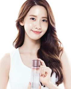 Korean essence for dry skin. Maintain Your Skin Appearing Younger By Using These Ideas. Beauty Shots, My Beauty, Beauty Skin, Asian Beauty, Asian Makeup, Eye Makeup, Yoona Innisfree, Im Yoon Ah, Yoona Snsd