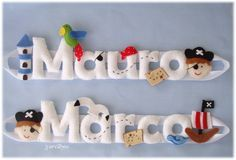 Nomes em feltro - Piratas para os manos Marco e Mauro Felt Kids, Felt Baby, Name Decorations, Handmade Decorations, Felt Wreath, Felt Garland, Crafts To Do, Felt Crafts, Felt Name Banner