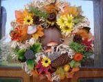 Jesenné dekorácie Fall Crafts, Floral Wreath, Thanksgiving, Wreaths, Halloween, Anna, Craft Ideas, Author, Mascarpone