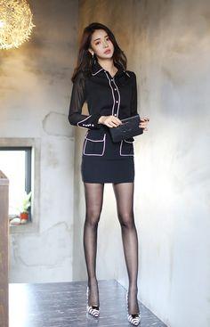 Ohne Titel - art skirt skirt skirt skirt outfit skirt for teens midi skirt Mode Outfits, Sexy Outfits, Fashion Outfits, Photo Glamour, Fashion Models, Girl Fashion, Pretty Blonde Girls, Modelos Fashion, Beautiful Asian Women