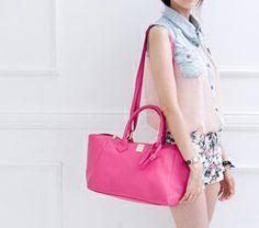 #handbag Clothing Accessories, Handbags, Luxury, Clothes, Fashion, Outfits, Moda, Totes, Clothing