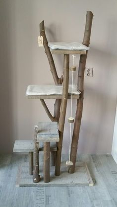 15 Things To Avoid In Building A Custom Cat Tree - Catstuff - Katzen Diy Pour Chien, Diy Cat Tree, Cat Shelves, Cat Playground, Cat Enclosure, Cat Climbing, Cat Room, Cat Condo, Pet Furniture