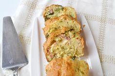 Plumcake salato con prosciutto formaggio e olive