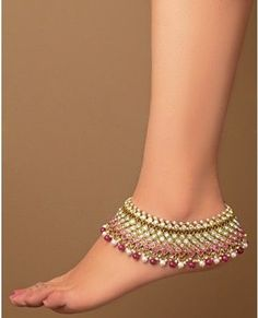 Foot jewelry is an essential part of a bridal dress arrangement, and as one can see, both anklets and toe rings have re-entered the realms of present-day Ankle Jewelry, Ankle Bracelets, Feet Jewelry, Charm Bracelets, Indian Accessories, Jewelry Accessories, Jewelry Shop, Anklet Designs, Silver Anklets