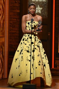 Realy great, even with the cry face. (Renee Elise Goldsberry in Oscar de la Renta at the 2016 Tony Awards)