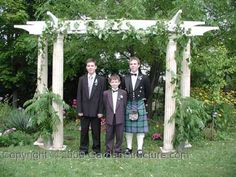 pergola plans for wedding displays-- That was my boys!