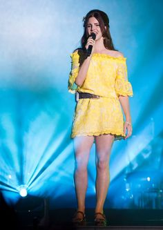 Lana performing at 'Osheaga Festival' in Montreal, Canada (HQ)
