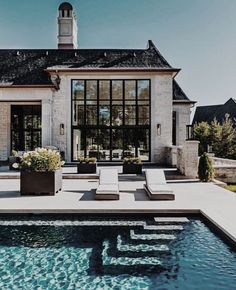 Such a beautiful pool – garden design Such a beautiful pool, # … - Style Architectural Dream Home Design, My Dream Home, House Design, Luxury Homes Dream Houses, Beautiful Pools, Beautiful Dream, Dream House Exterior, House Exteriors, Cool Pools