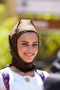 Cavalcata Sarda, sardinian girl in traditional costume - ©SalvatoreSerra