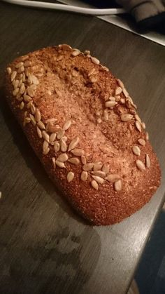 Low-Carb Brot mit Sonnenblumenkernen, ein sehr schönes Rezept aus der Kategorie Backen. Bewertungen: 203. Durchschnitt: Ø 4,7.